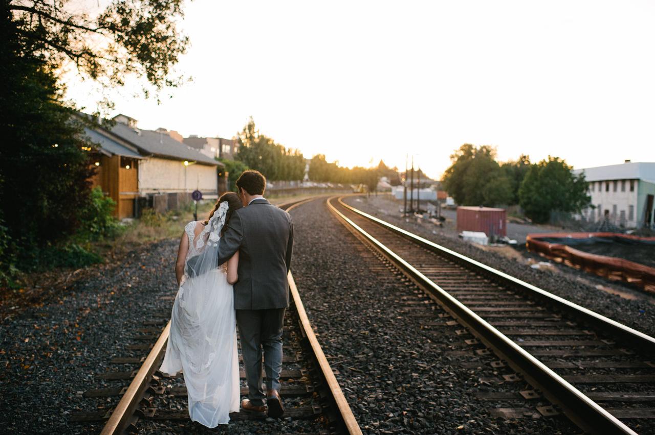 portland-troutdale-house-wedding-124.jpg