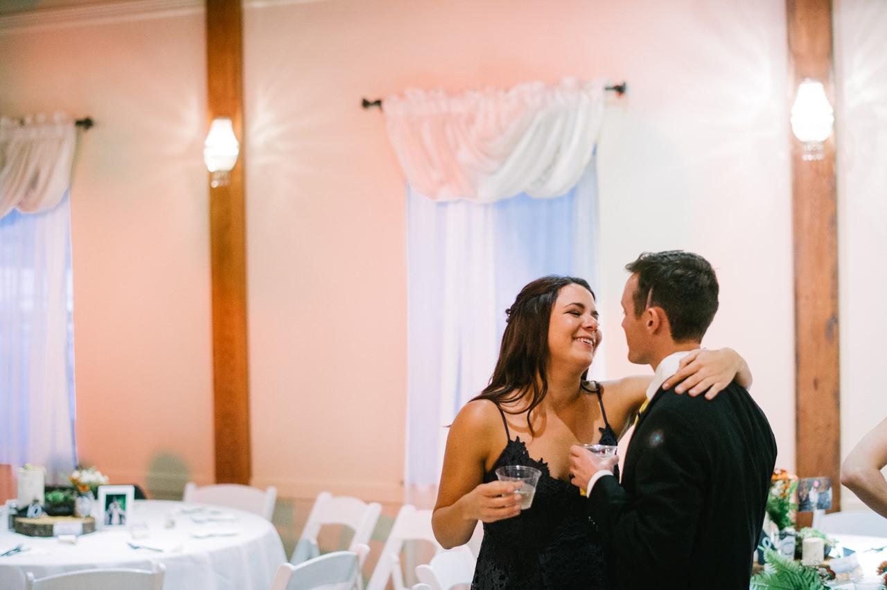portland-troutdale-house-wedding-127.jpg