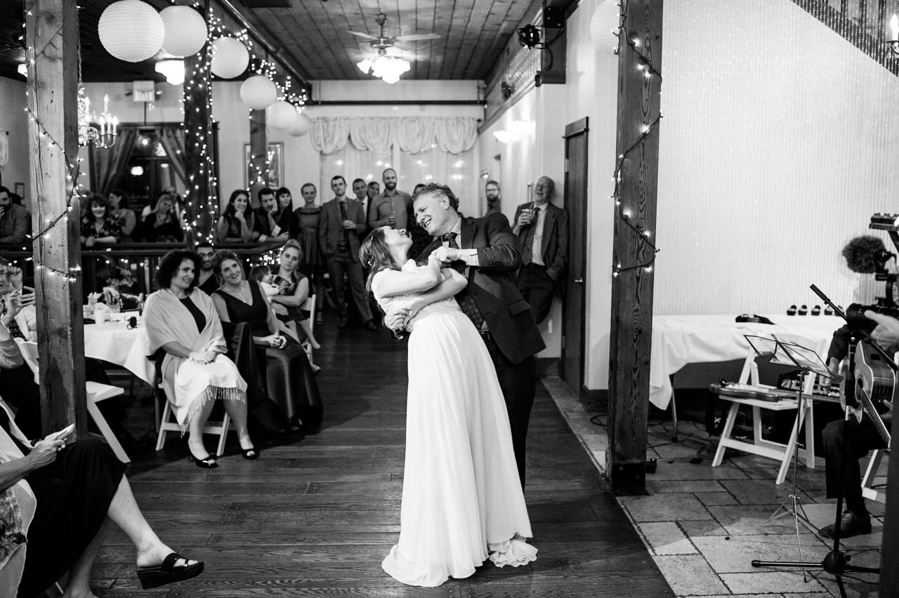 portland-troutdale-house-wedding-151.jpg