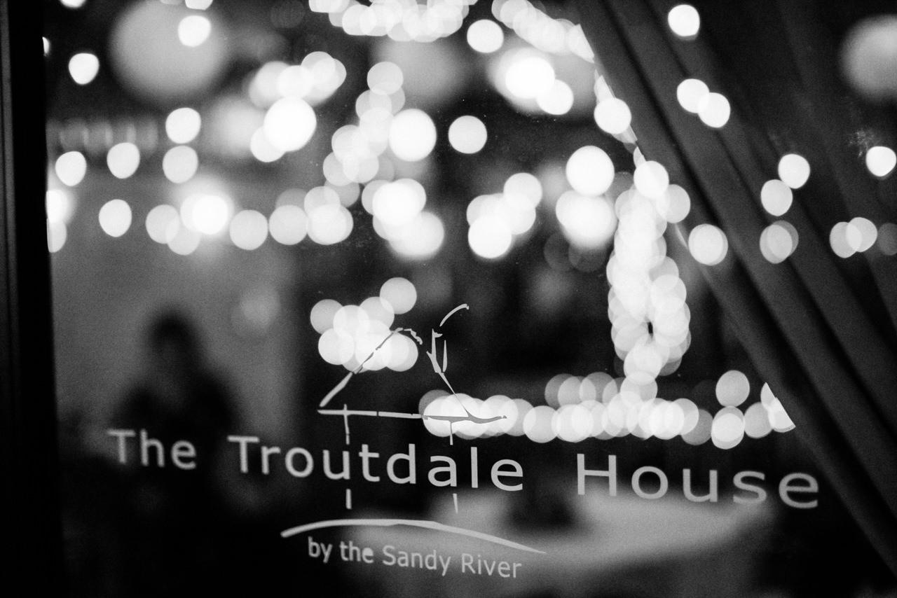 portland-troutdale-house-wedding-174.jpg