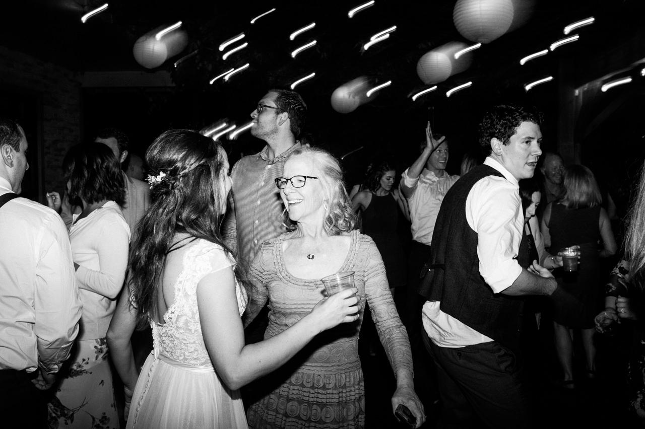 portland-troutdale-house-wedding-183.jpg