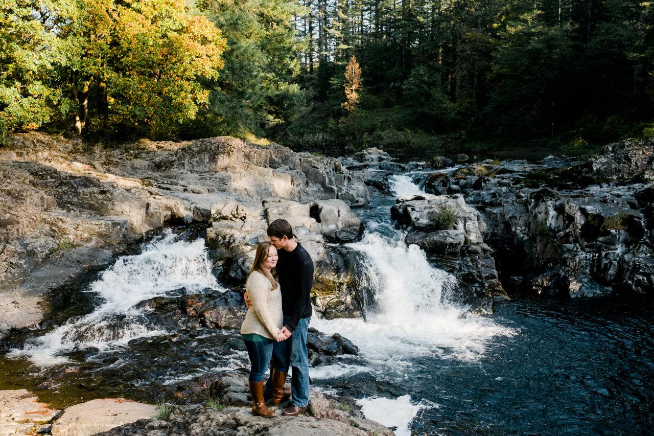 washougal-river-fall-engagement-17.jpg