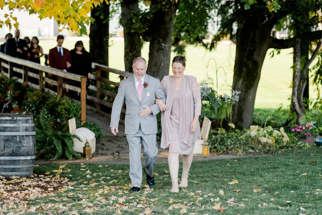 postlewaits-country-fall-wedding-030.jpg