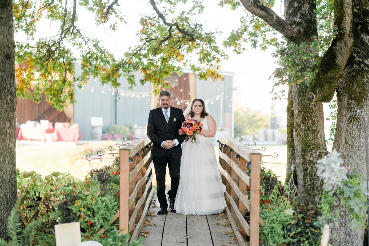 postlewaits-country-fall-wedding-031.jpg