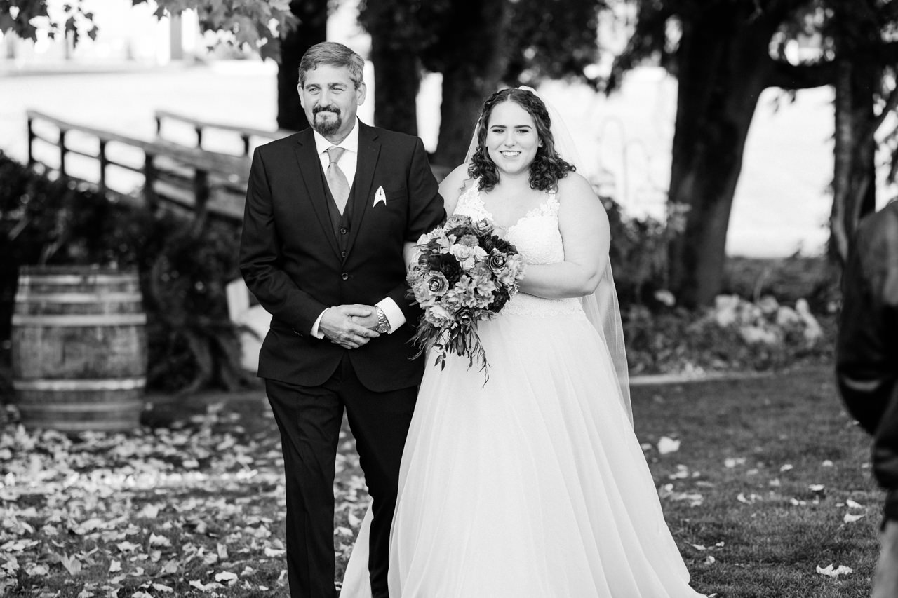 postlewaits-country-fall-wedding-032.jpg
