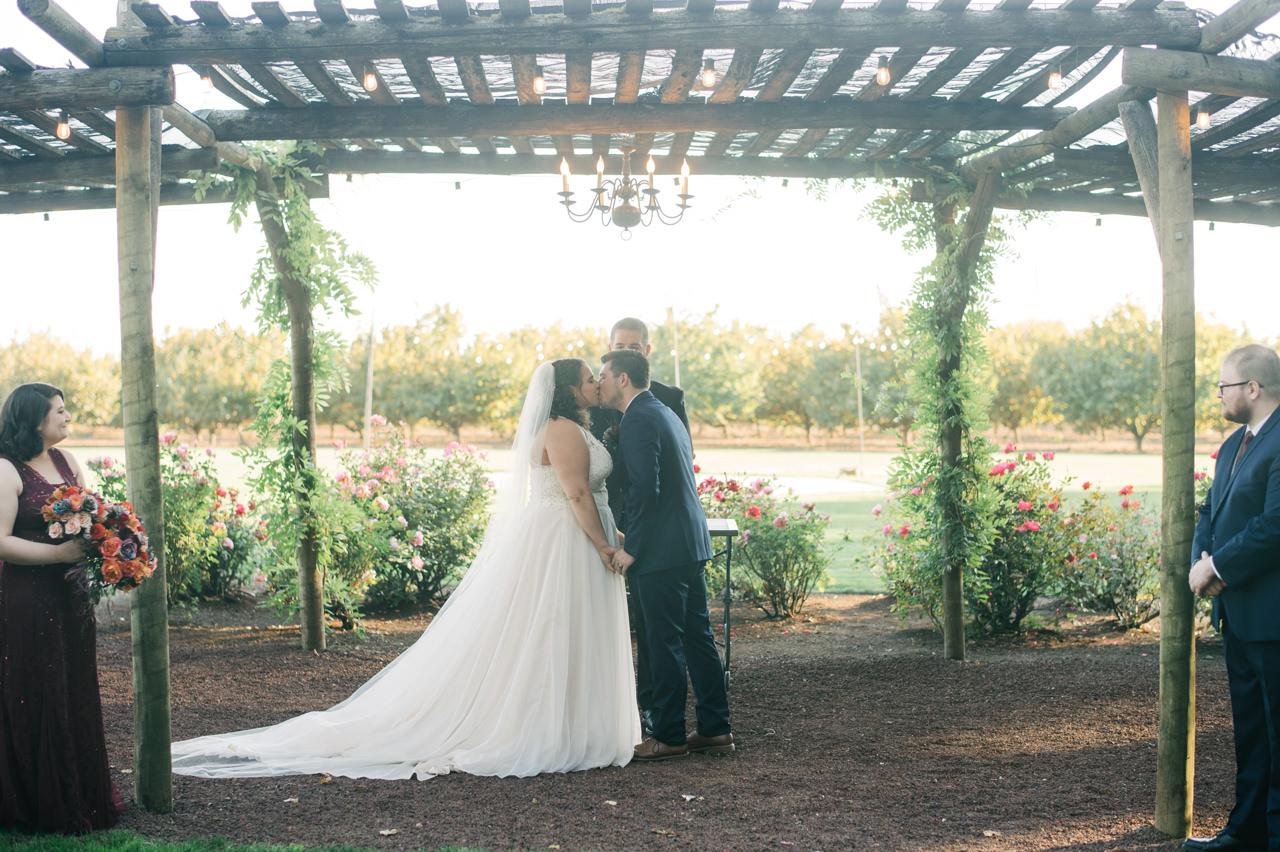 postlewaits-country-fall-wedding-039.jpg