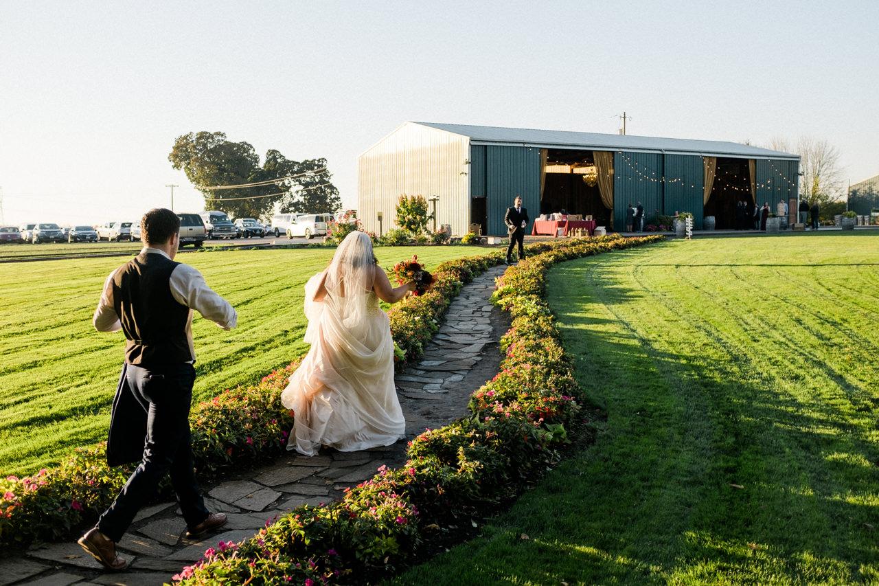 postlewaits-country-fall-wedding-048.jpg