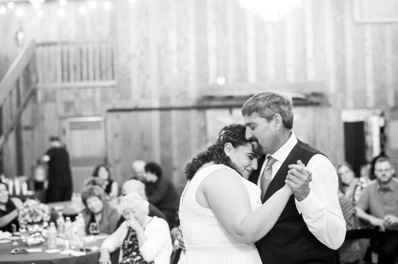 postlewaits-country-fall-wedding-061.jpg