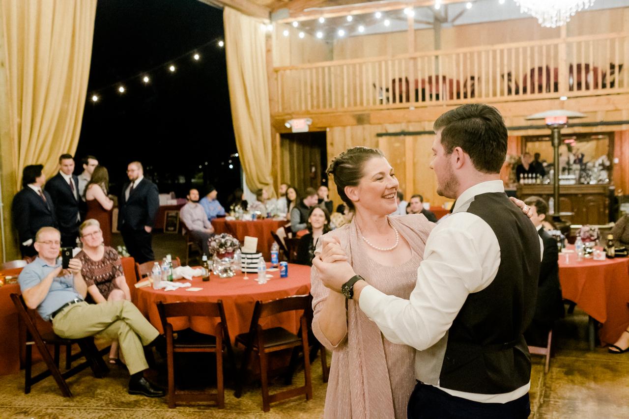 postlewaits-country-fall-wedding-063.jpg