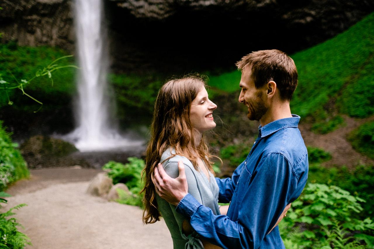 columbia-gorge-latourell-waterfall-engagement-017.jpg
