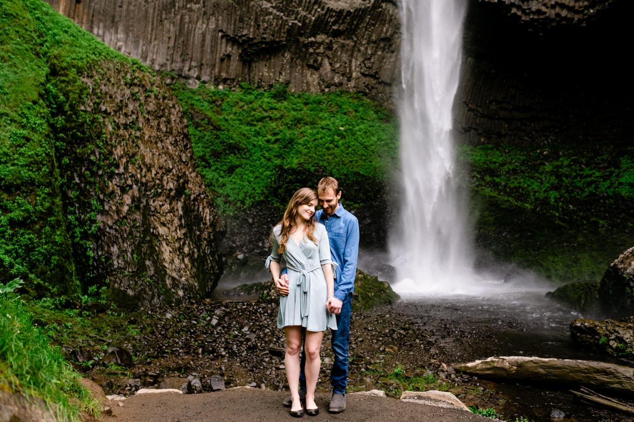 columbia-gorge-latourell-waterfall-engagement-018.jpg
