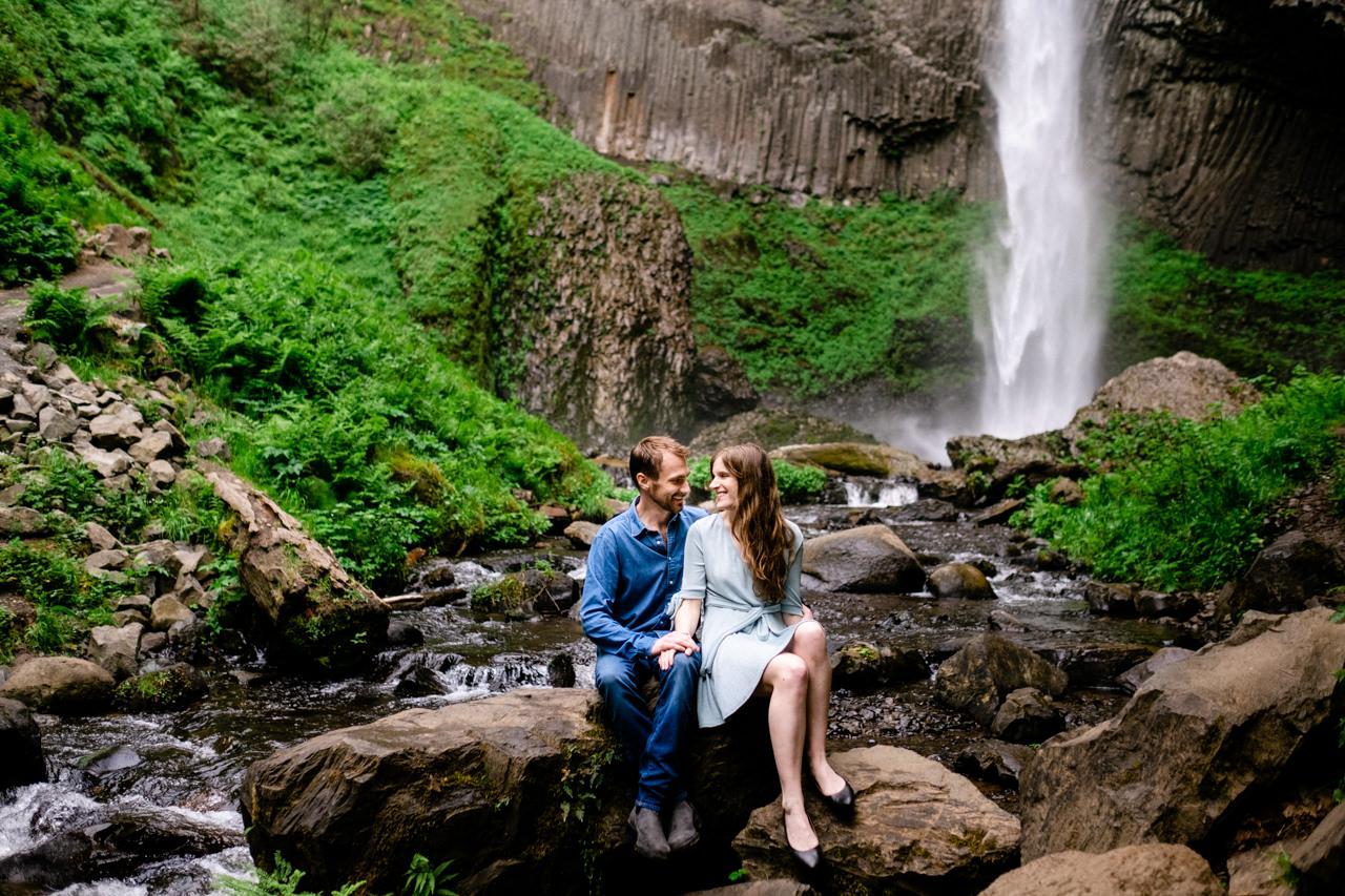 columbia-gorge-latourell-waterfall-engagement-028.jpg