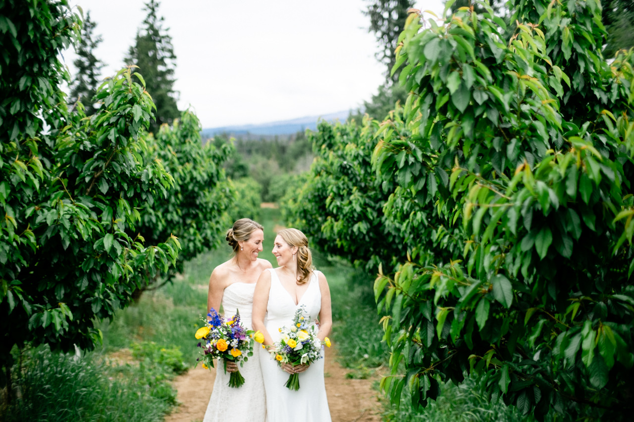 mt-hood-orchards-oregon-hood-river-wedding-023.JPG