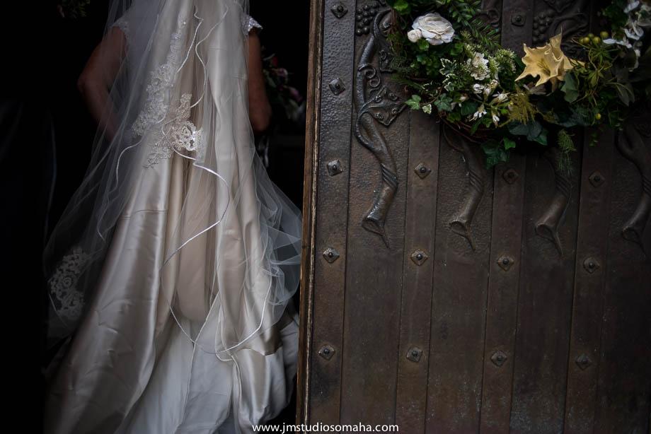 OMAHA WEDDING PHOTOGRAPHERS_HALLOWEEN WEDDING-0009.jpg