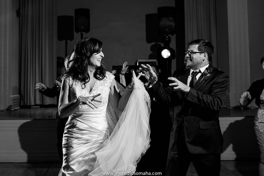 OMAHA WEDDING PHOTOGRAPHERS_HALLOWEEN WEDDING-0026.jpg