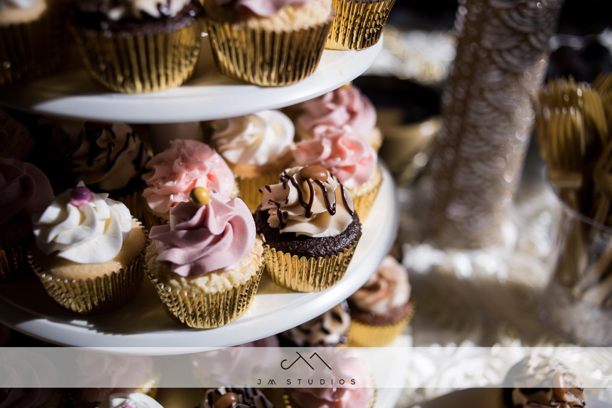 sioux city wedding cupcakes