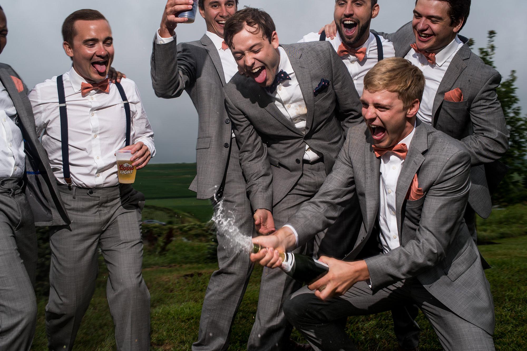 omaha candid wedding photographer_groomsmen