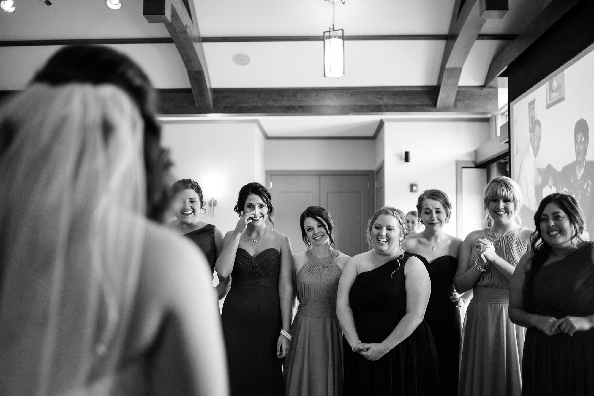 omaha bridesmaids_omaha wedding photographers