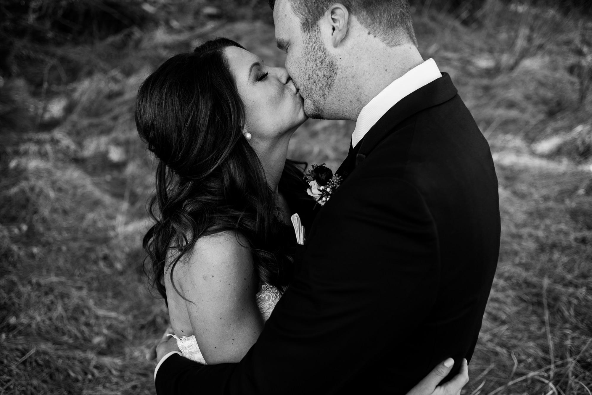 OMAHA WEDDING PHOTOGRAPHER_tiburon golf course-0021.jpg