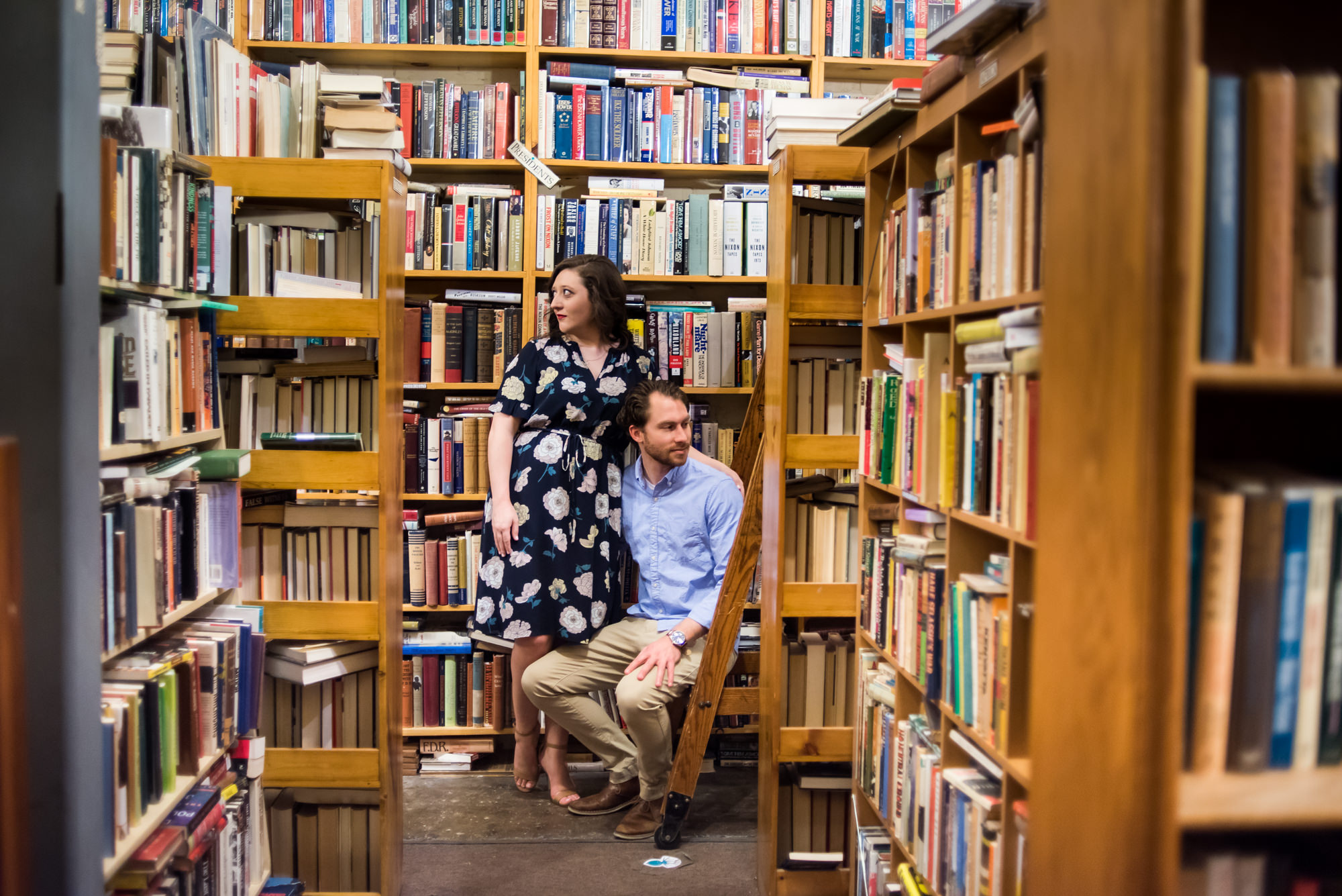 omaha book store engagement photos-015.jpg