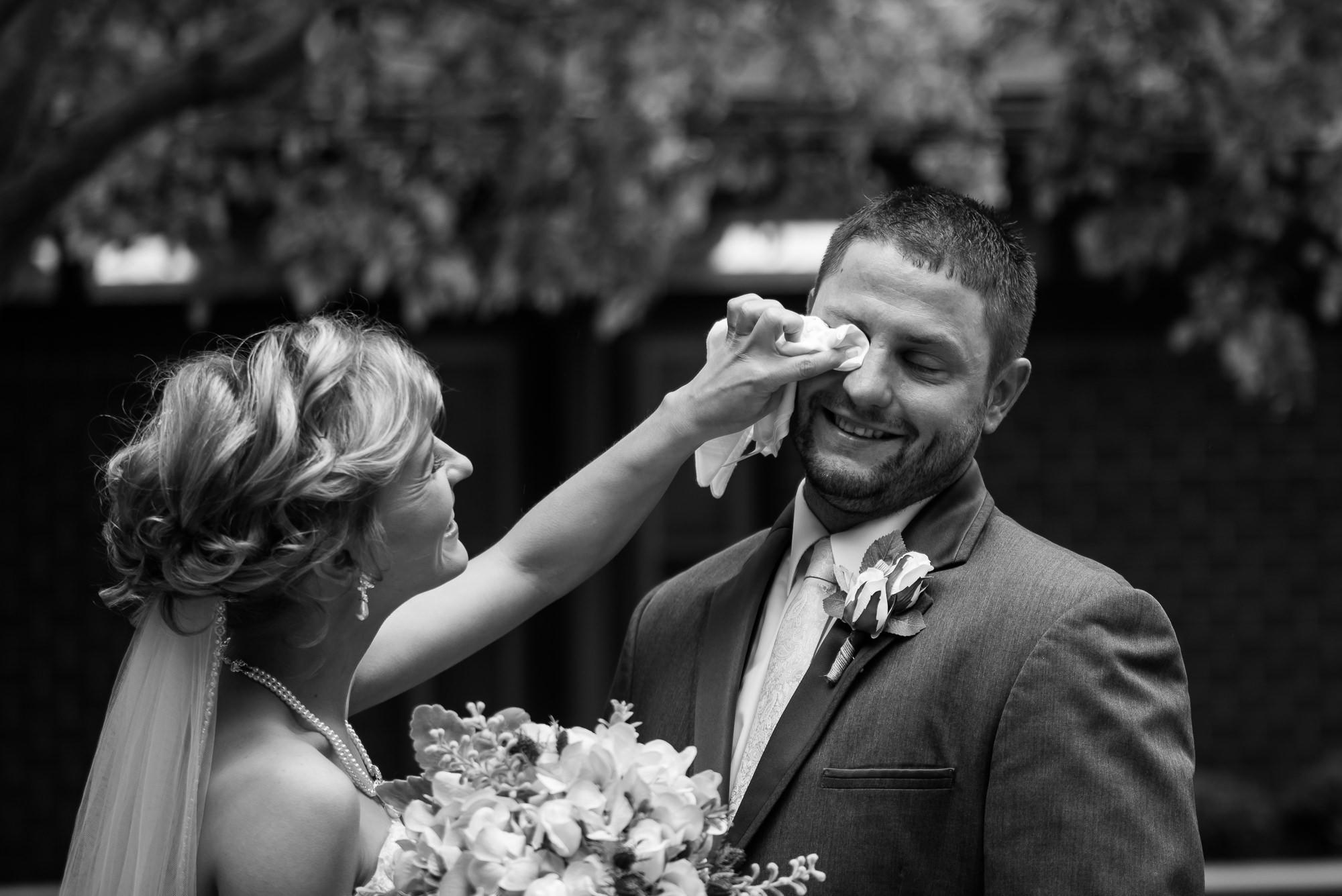 WEDDING-PHOTOGRAPHERS-IN-OMAHA-0008.jpg