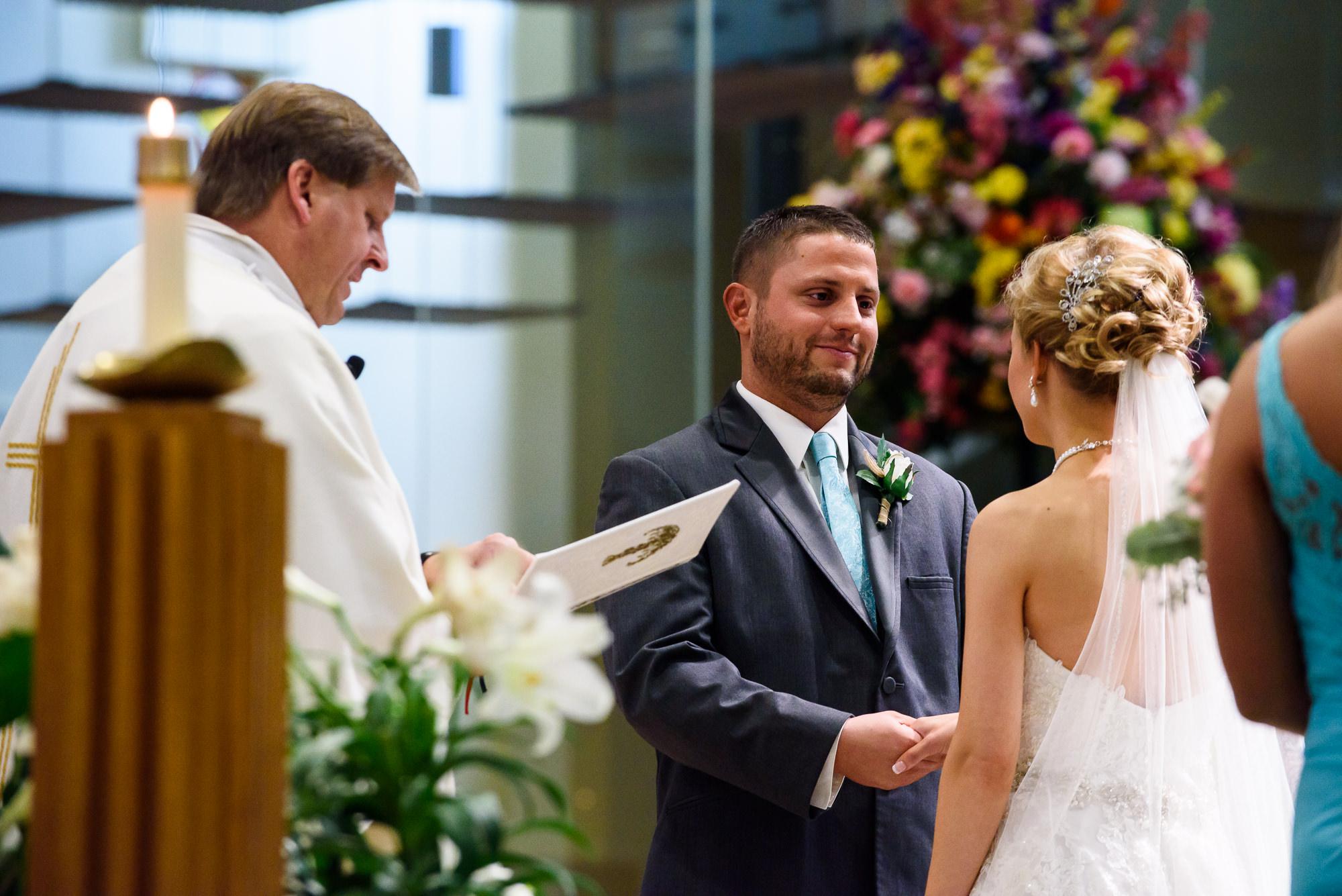 WEDDING-PHOTOGRAPHERS-IN-OMAHA-0012.jpg