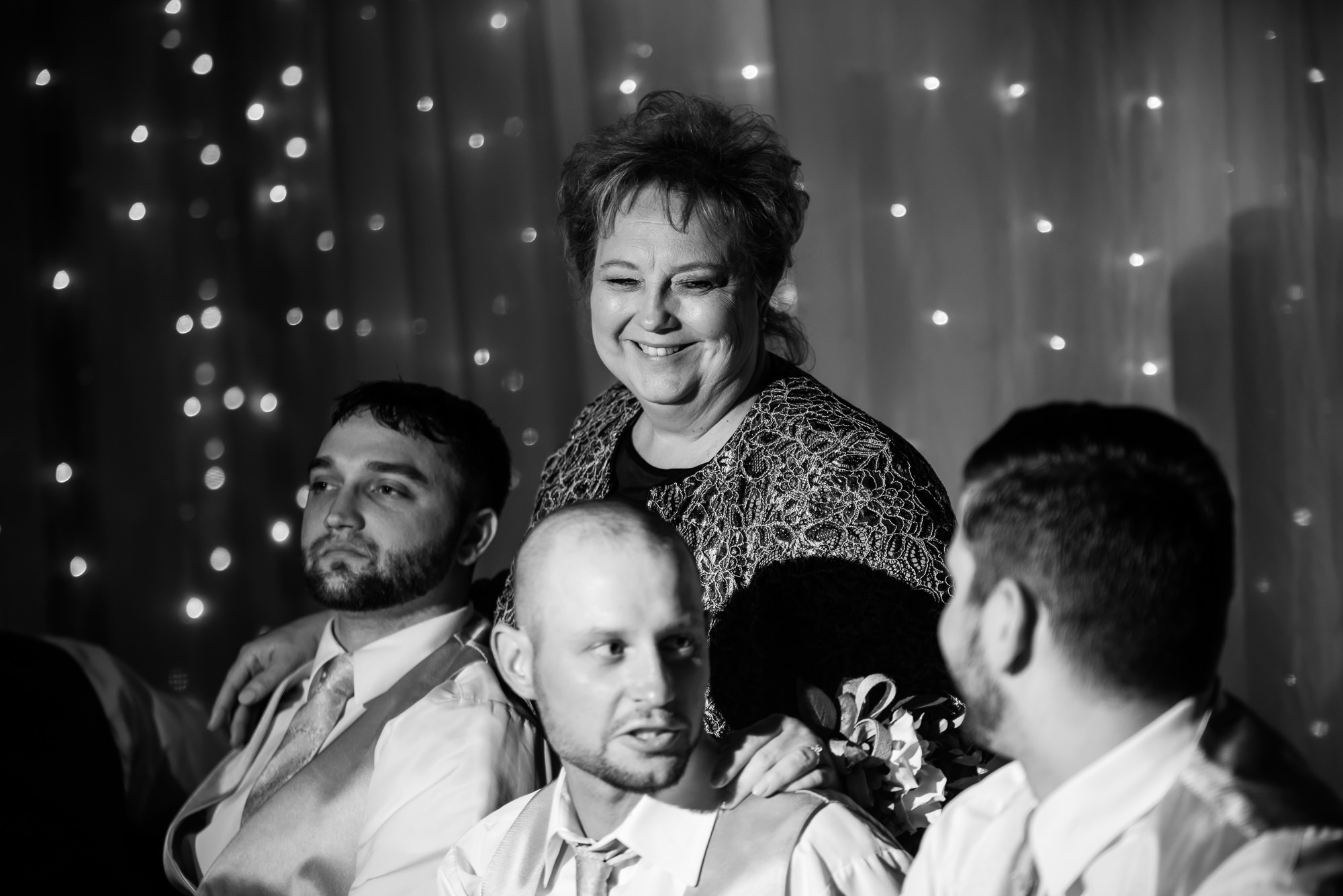 WEDDING-PHOTOGRAPHERS-IN-OMAHA-0025.jpg