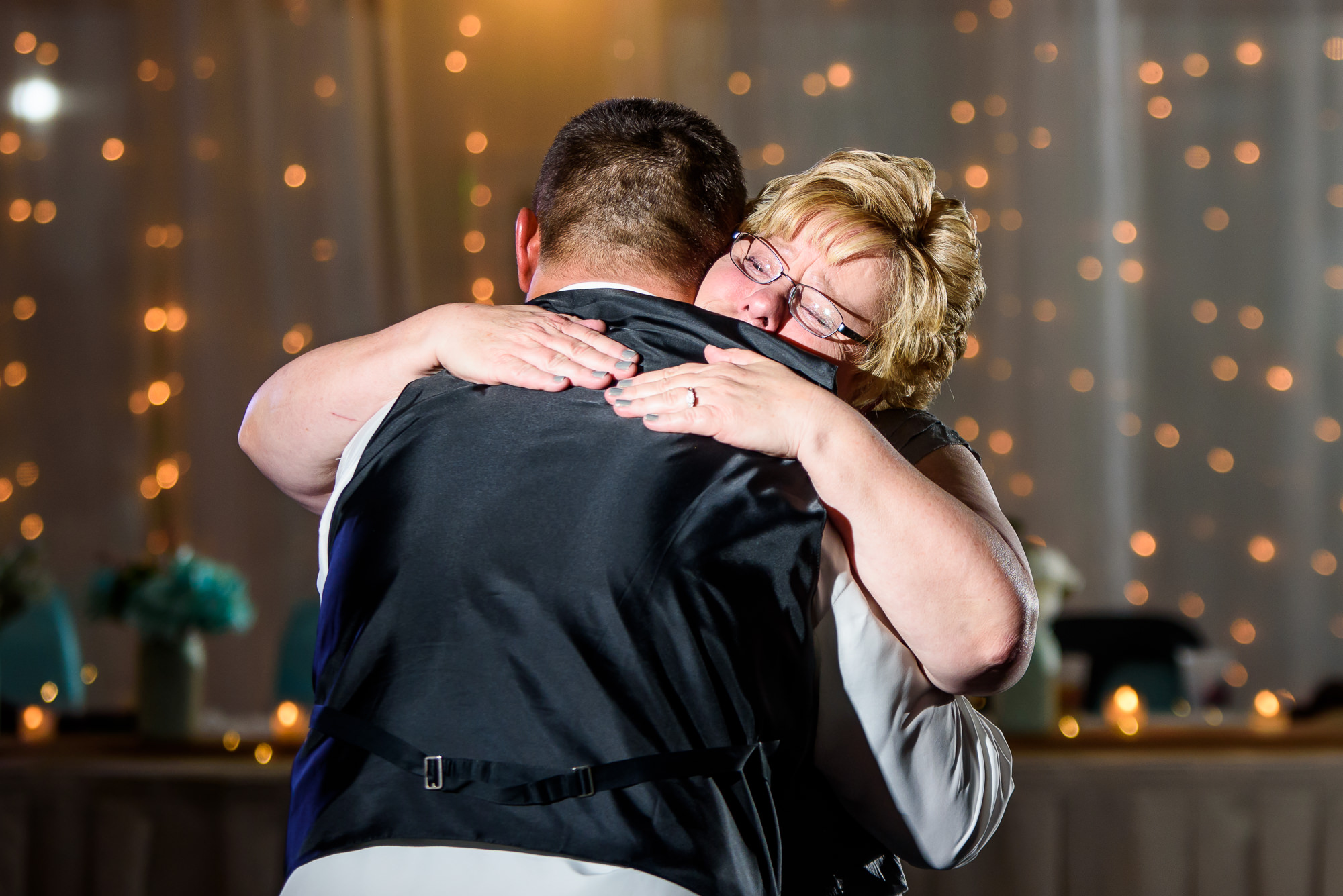 WEDDING-PHOTOGRAPHERS-IN-OMAHA-0028.jpg