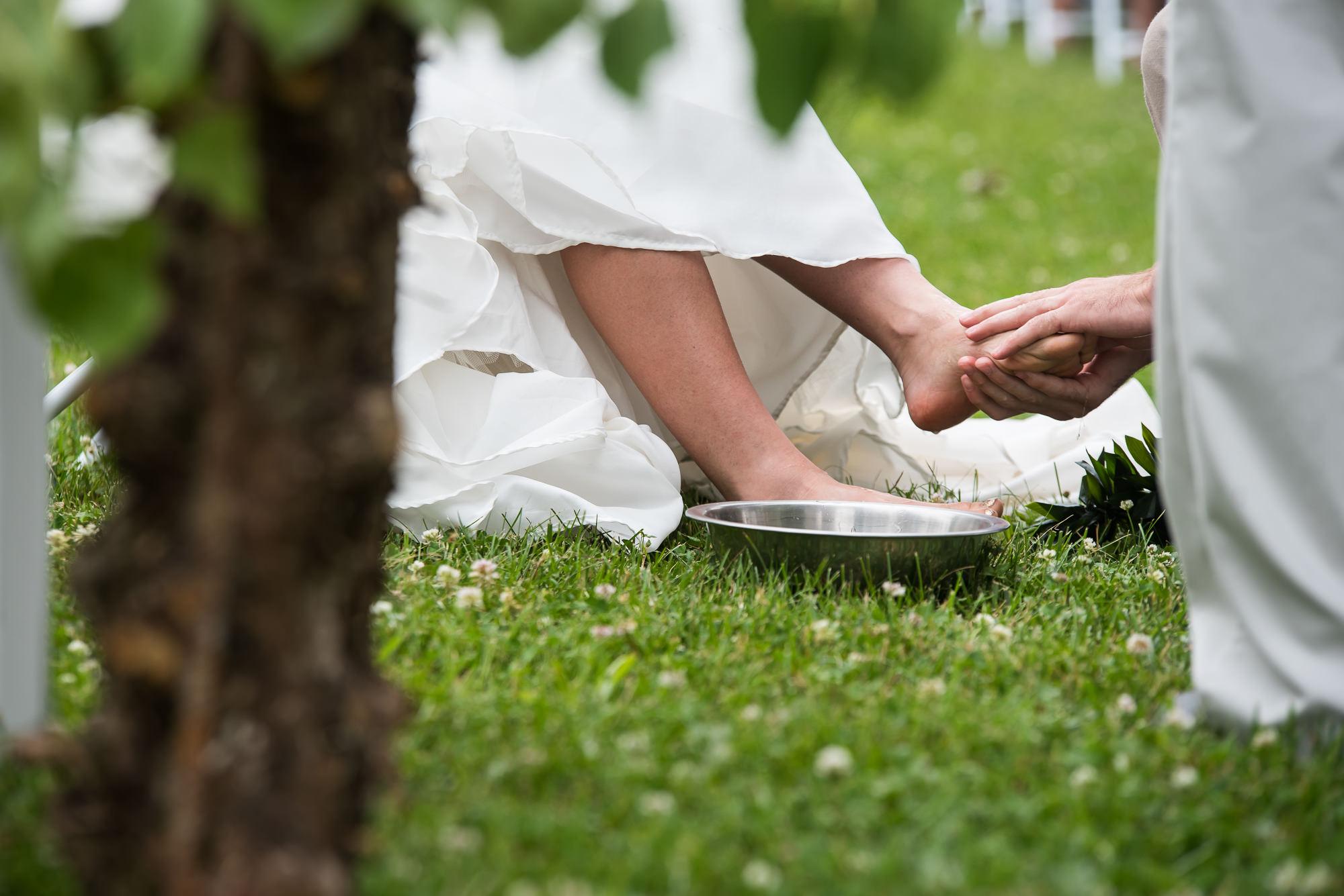 WEDDING-PHOTOGRAPHERS-IN-IOWA-0016.jpg