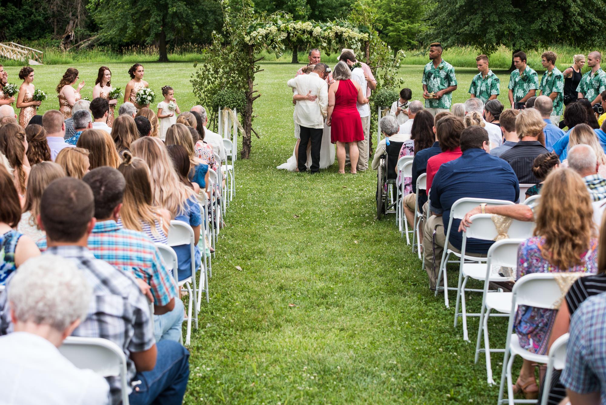 WEDDING-PHOTOGRAPHERS-IN-IOWA-0018.jpg