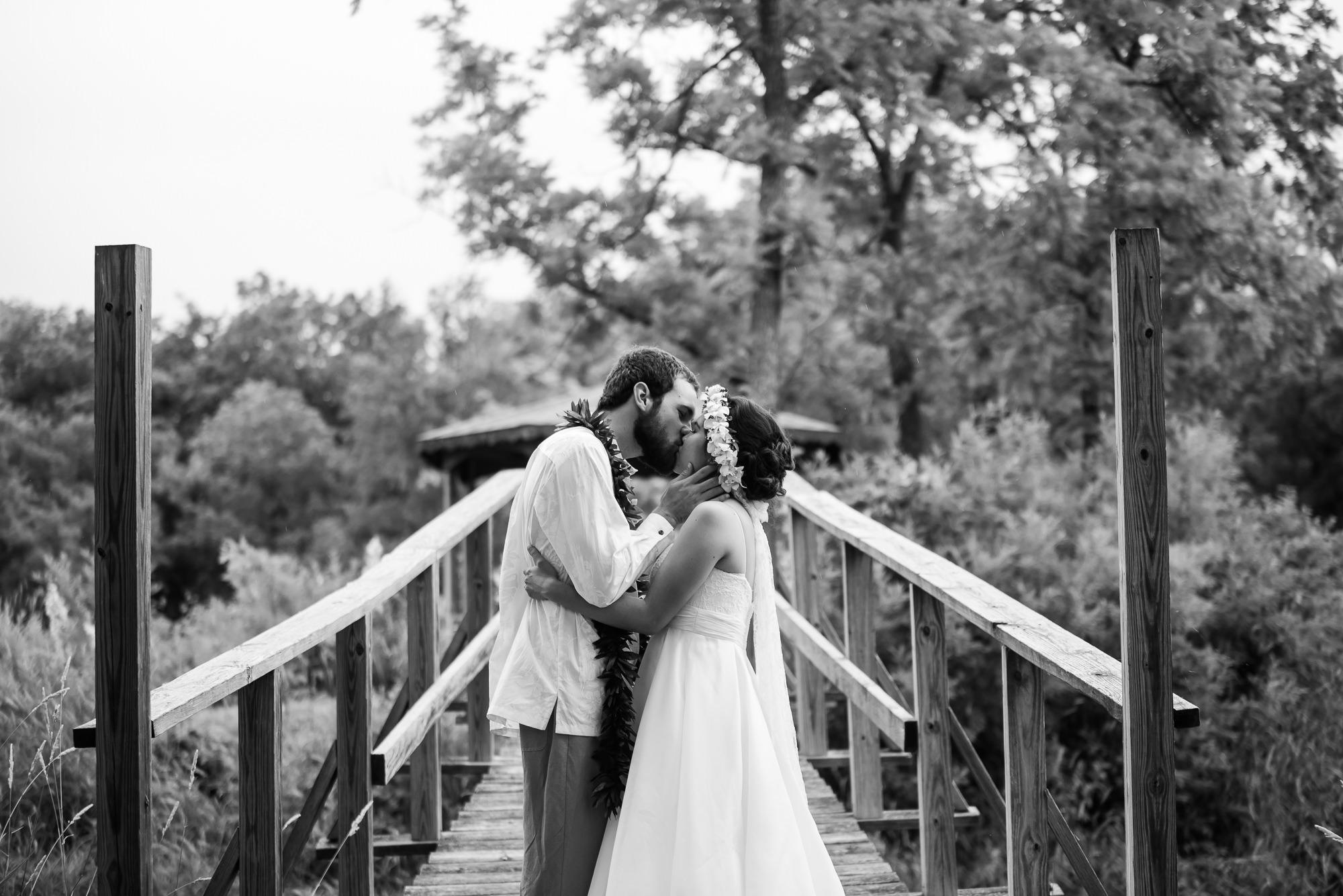 WEDDING-PHOTOGRAPHERS-IN-IOWA-0026.jpg