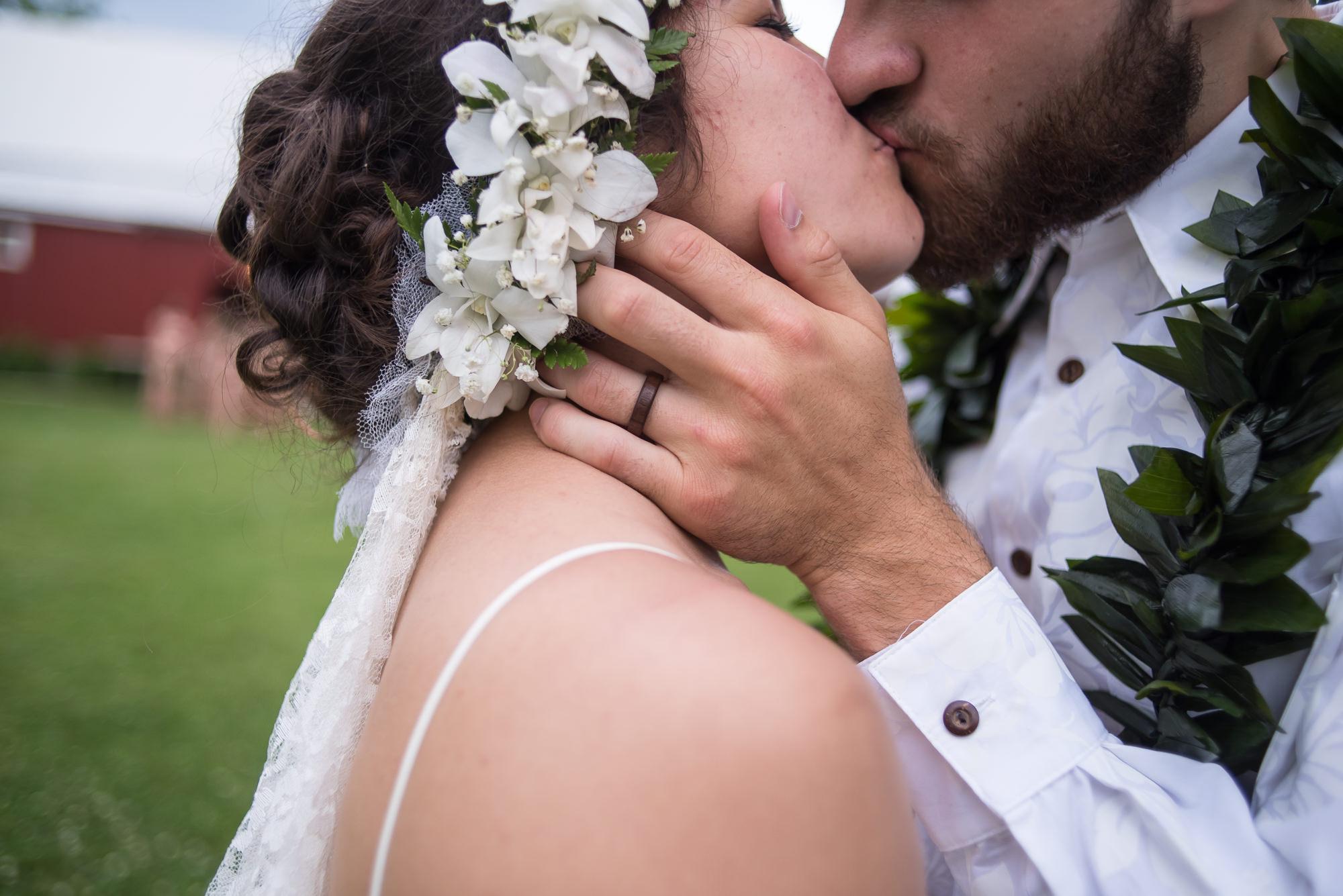 WEDDING-PHOTOGRAPHERS-IN-IOWA-0029.jpg
