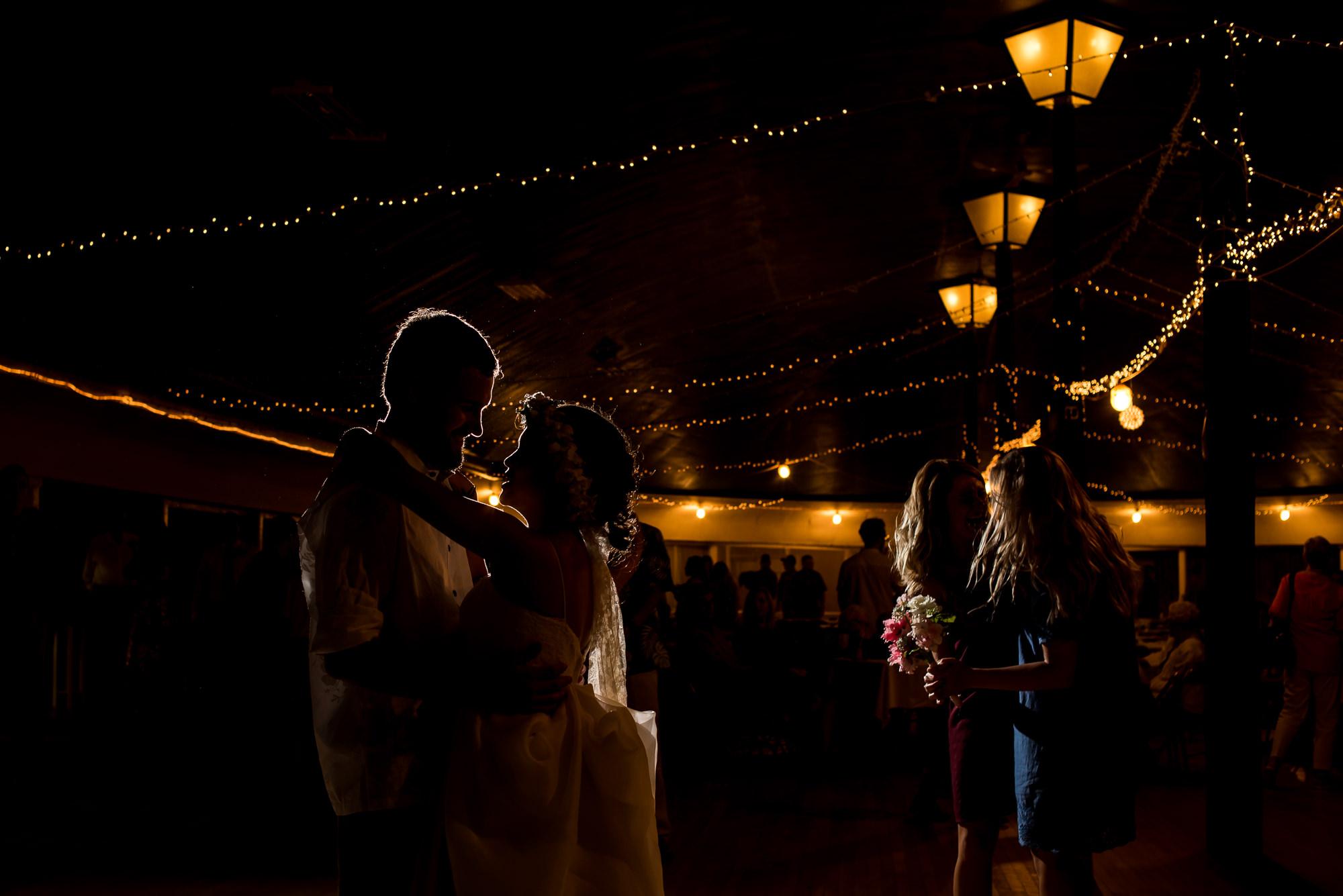 WEDDING-PHOTOGRAPHERS-IN-IOWA-0034.jpg