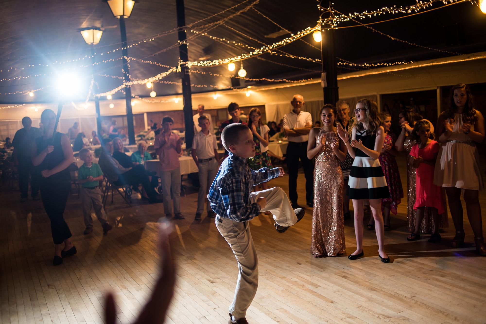WEDDING-PHOTOGRAPHERS-IN-IOWA-0033.jpg