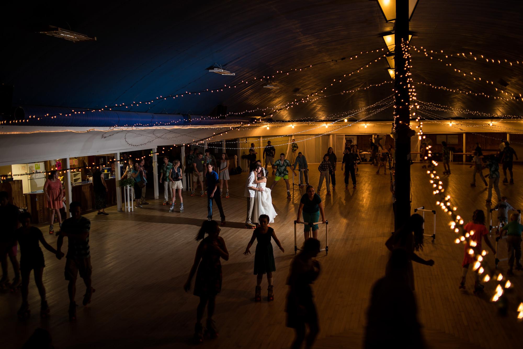 WEDDING-PHOTOGRAPHERS-IN-IOWA-0037.jpg