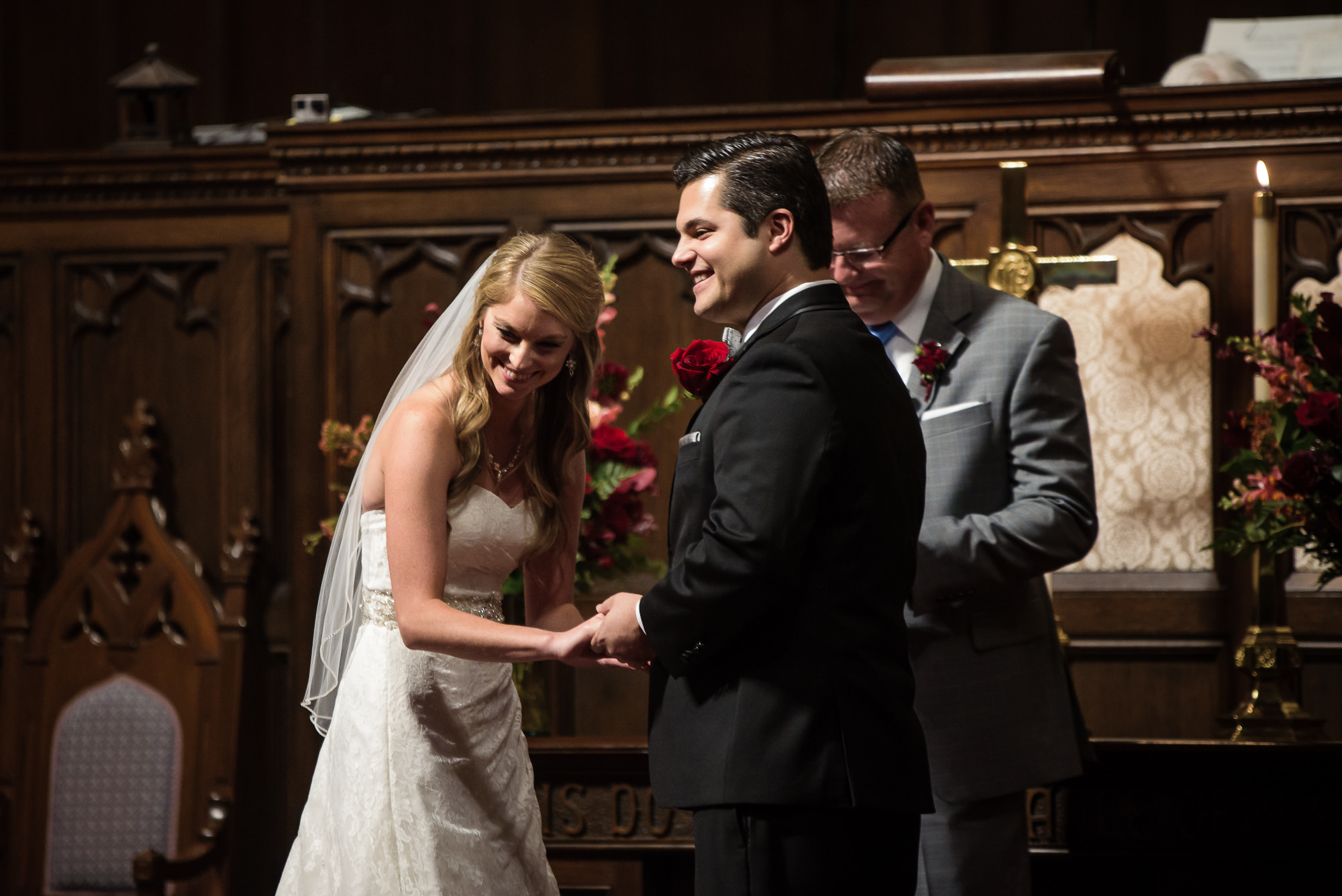 LAURITZEN GARDENS OMAHA WEDDING-012.jpg