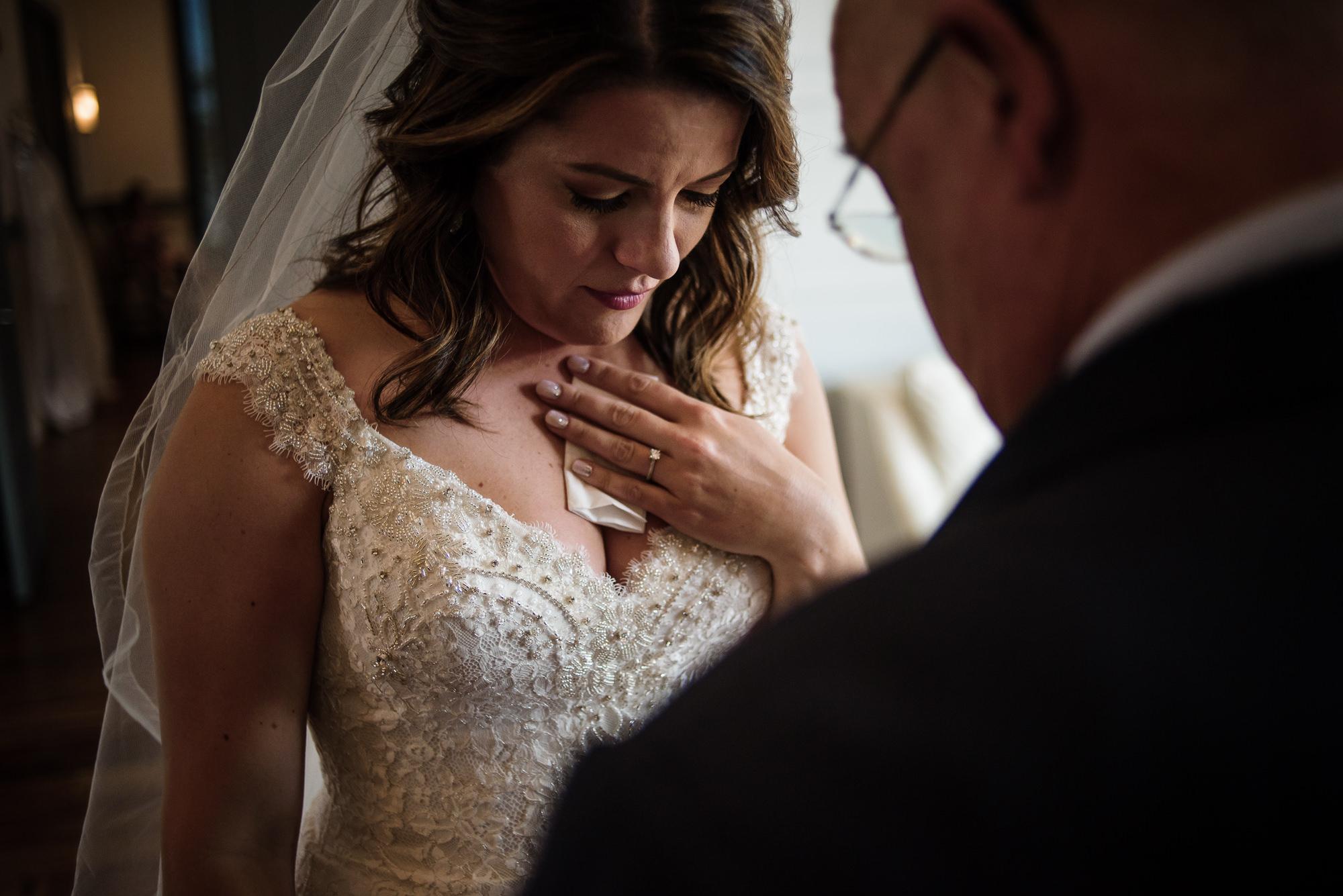KEVIN-STACY-NOAHS-EVENT-VENUE-OMAHA-WEDDING-PHOTOGRAPHER-008.jpg