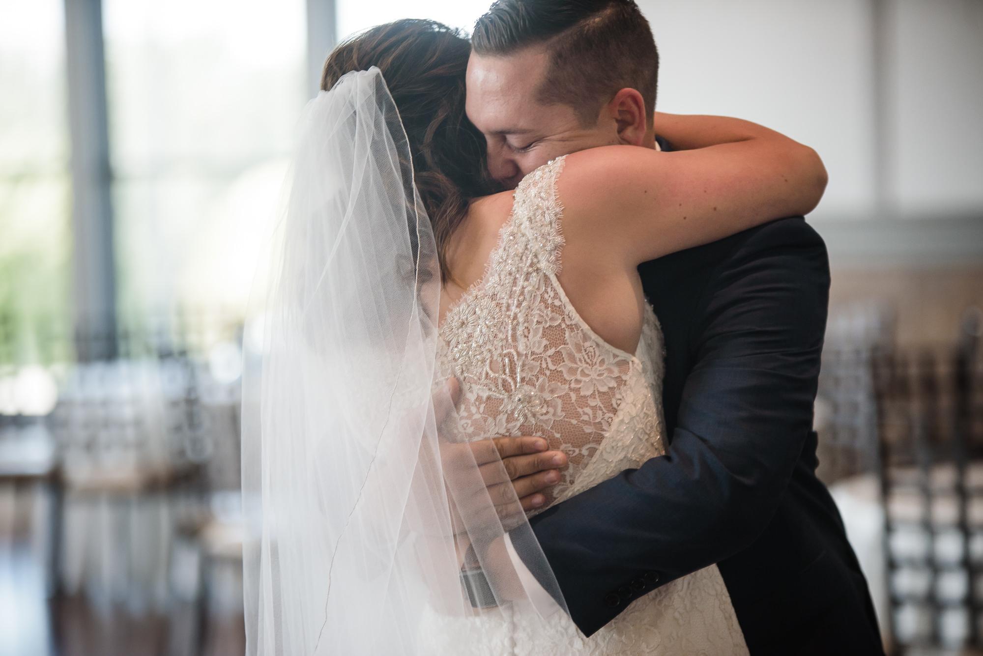 KEVIN-STACY-NOAHS-EVENT-VENUE-OMAHA-WEDDING-PHOTOGRAPHER-009.jpg