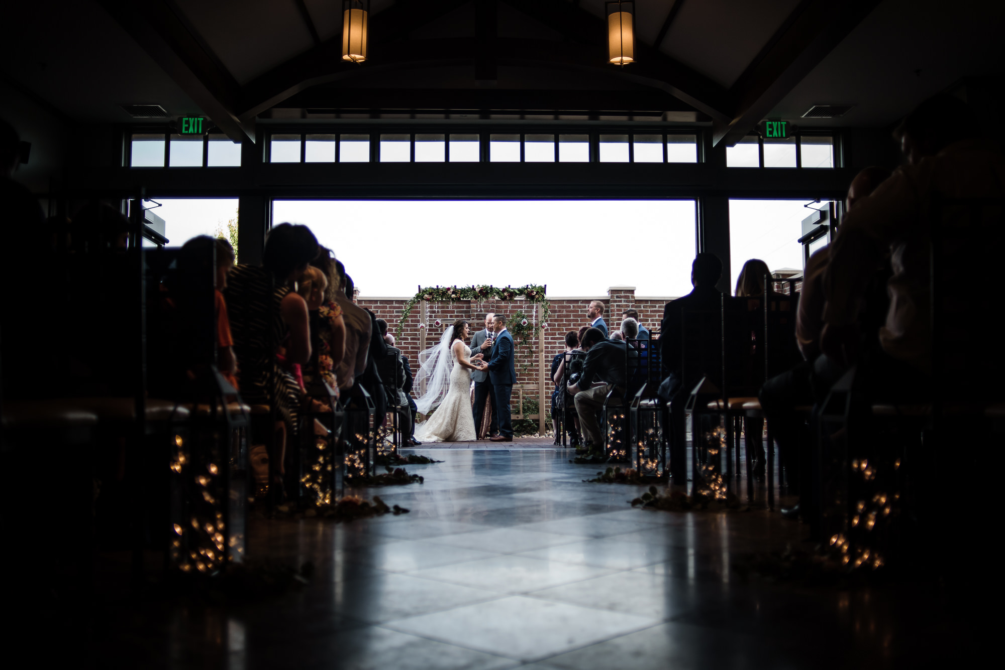 KEVIN-STACY-NOAHS-EVENT-VENUE-OMAHA-WEDDING-PHOTOGRAPHER-019.jpg