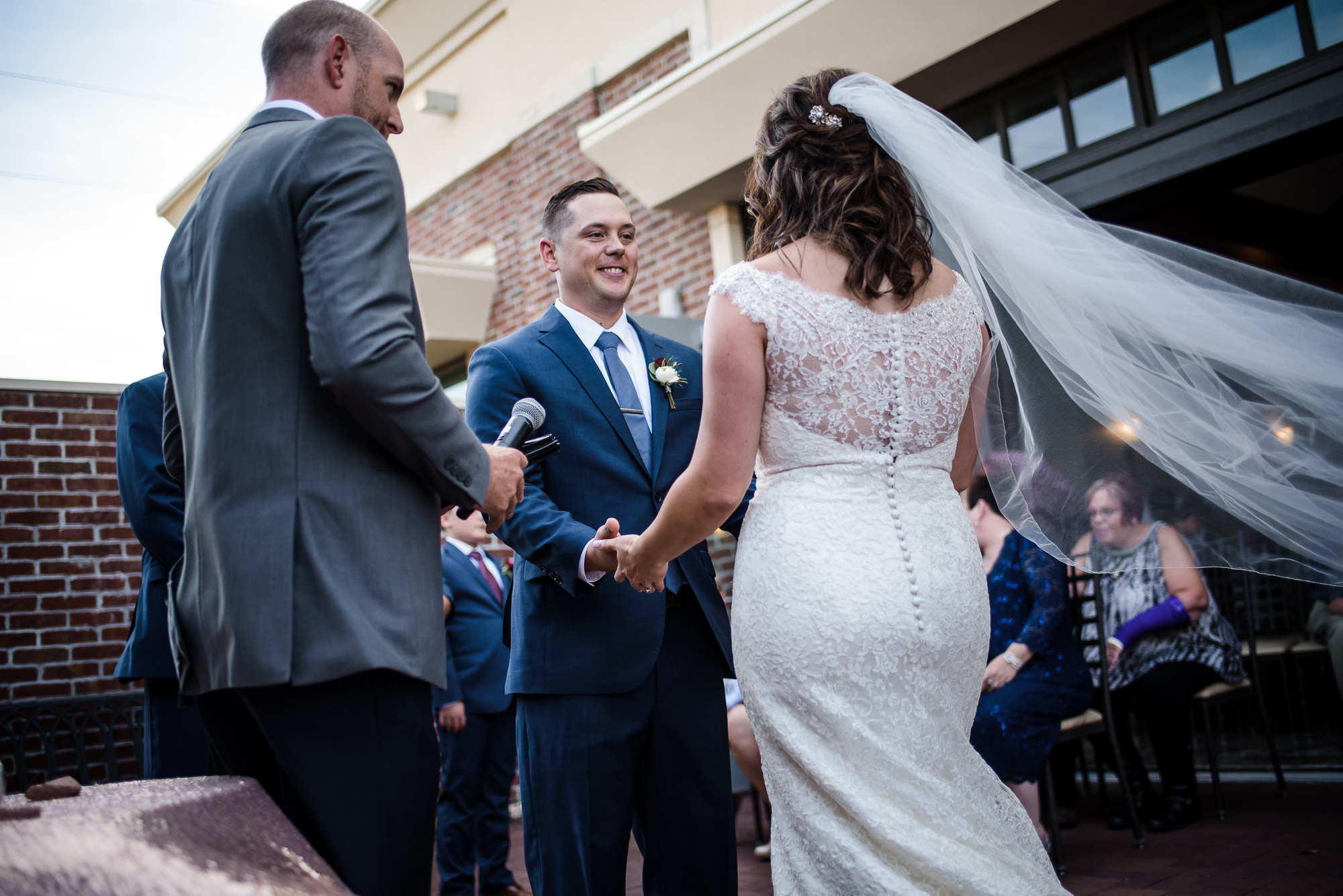 KEVIN-STACY-NOAHS-EVENT-VENUE-OMAHA-WEDDING-PHOTOGRAPHER-018.jpg
