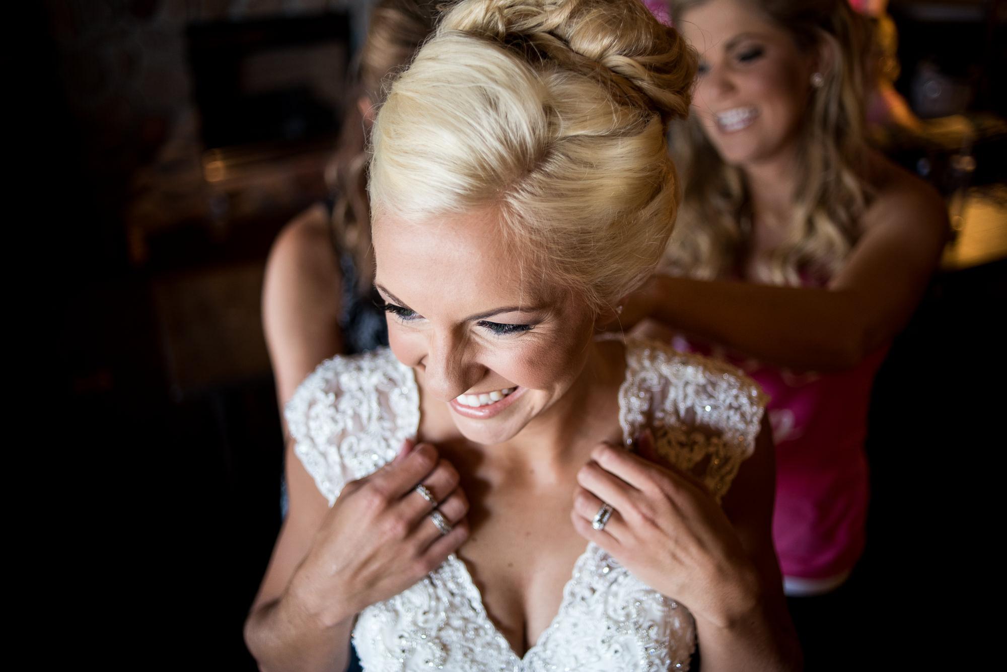 DAKOTA-DUNES-WEDDING-SOUTH-DAKOTA-WEDDING-PHOTOGRAPHER-0003.jpg