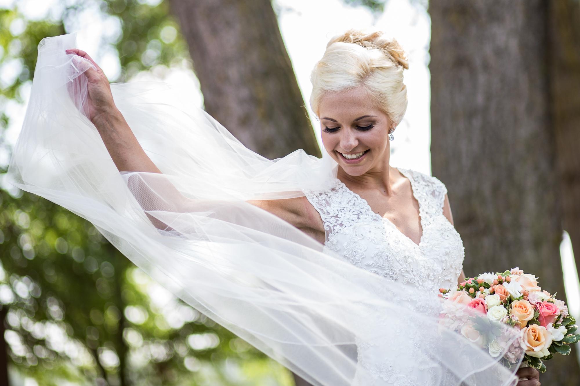 DAKOTA-DUNES-WEDDING-SOUTH-DAKOTA-WEDDING-PHOTOGRAPHER-0009.jpg