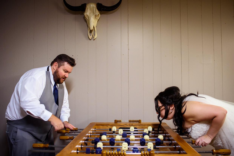 derek-sara-the-omaha-barn-ackerhurst-dairy-farm-0021-omaha-wedding-photographer-jm-studios.JPG
