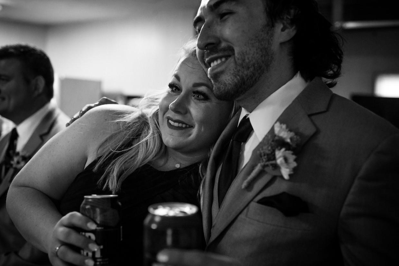 derek-sara-the-omaha-barn-ackerhurst-dairy-farm-0027-omaha-wedding-photographer-jm-studios.JPG