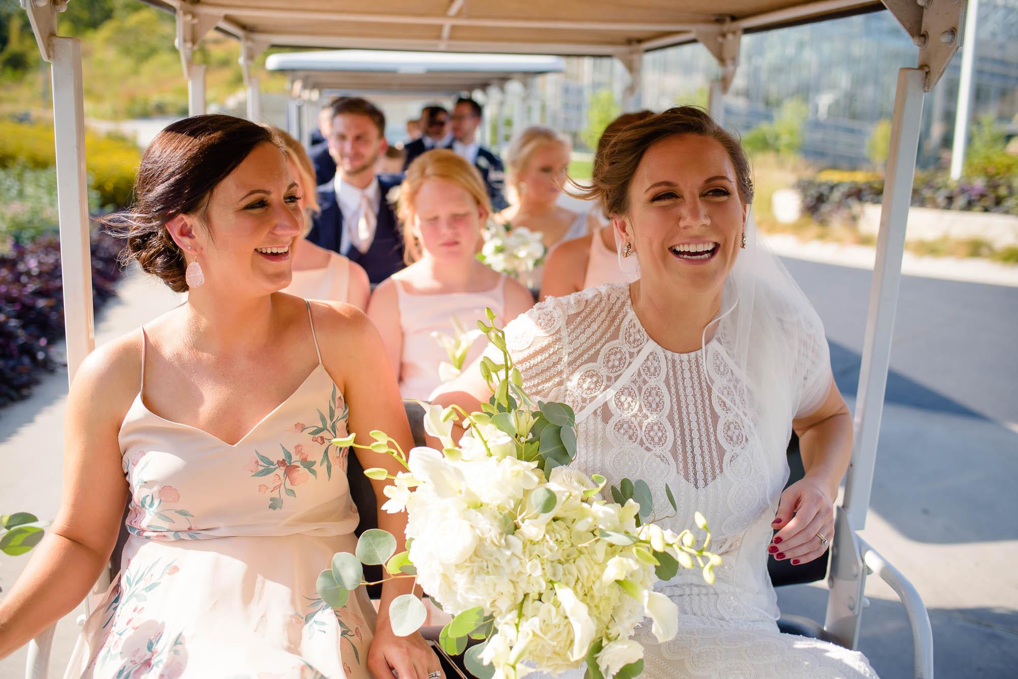 lauritzen-garden-omaha-liz-daniel-omaha-wedding-photographer-jm-studios-16016.jpg