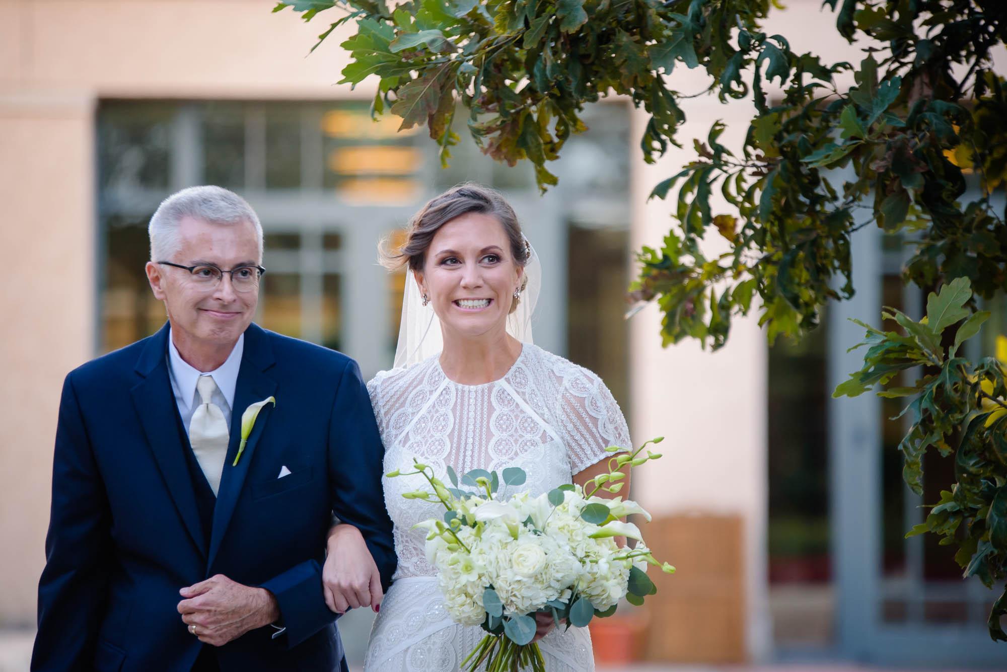 lauritzen-garden-omaha-liz-daniel-omaha-wedding-photographer-jm-studios-26026.jpg