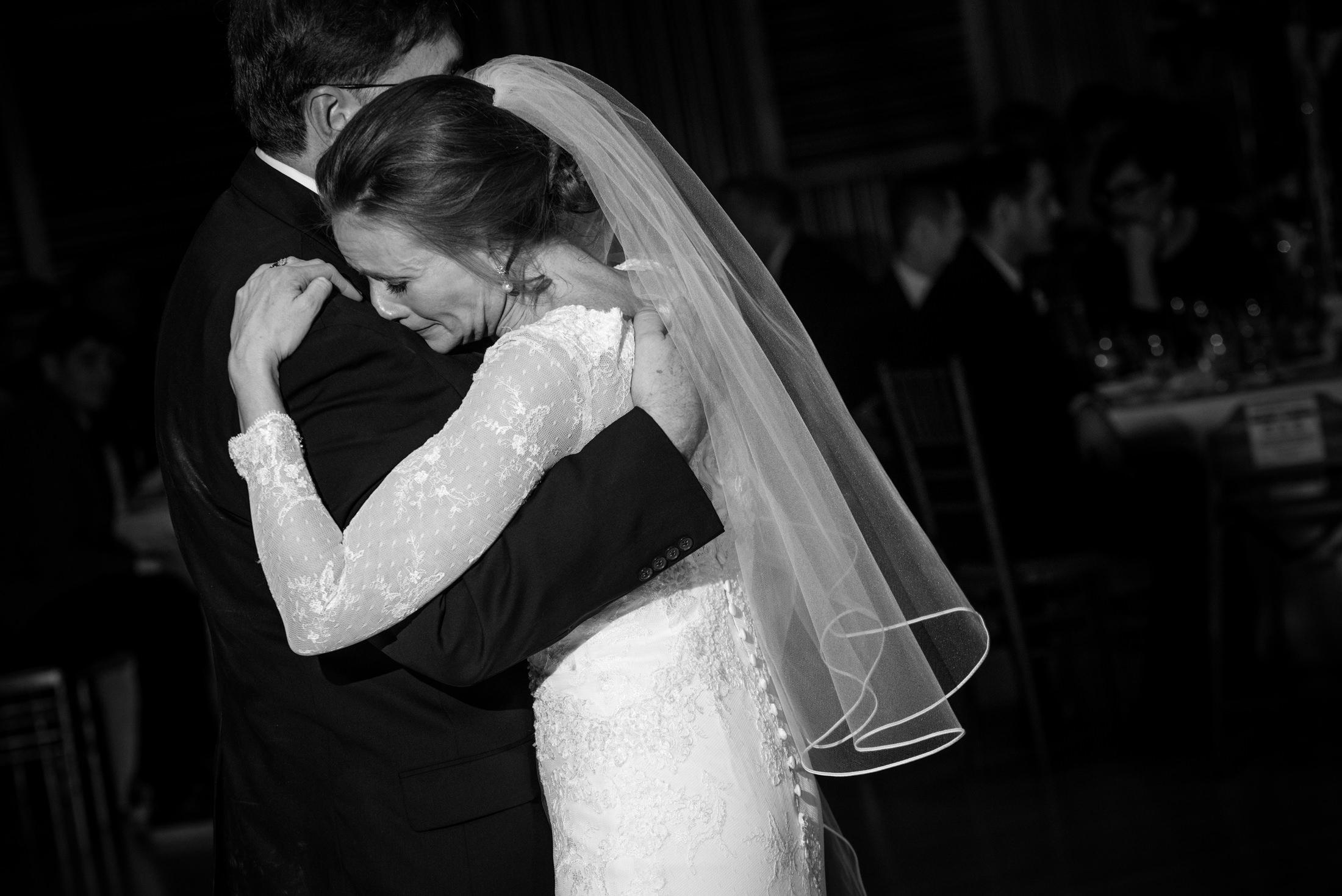 holland-center-reception-omaha-wedding-photographer-0008.JPG