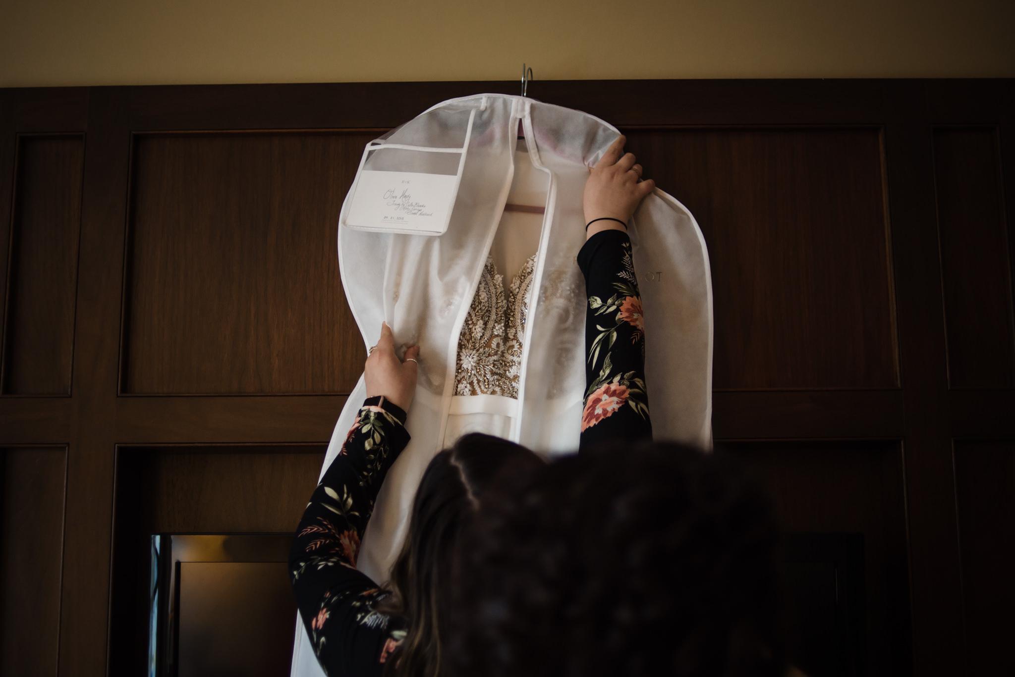 HILTON-OMAHA-WEDDING-PHOTOGRAPHER-JM-STUDIOS-OMAHA-LIV-BRICE-007.jpg