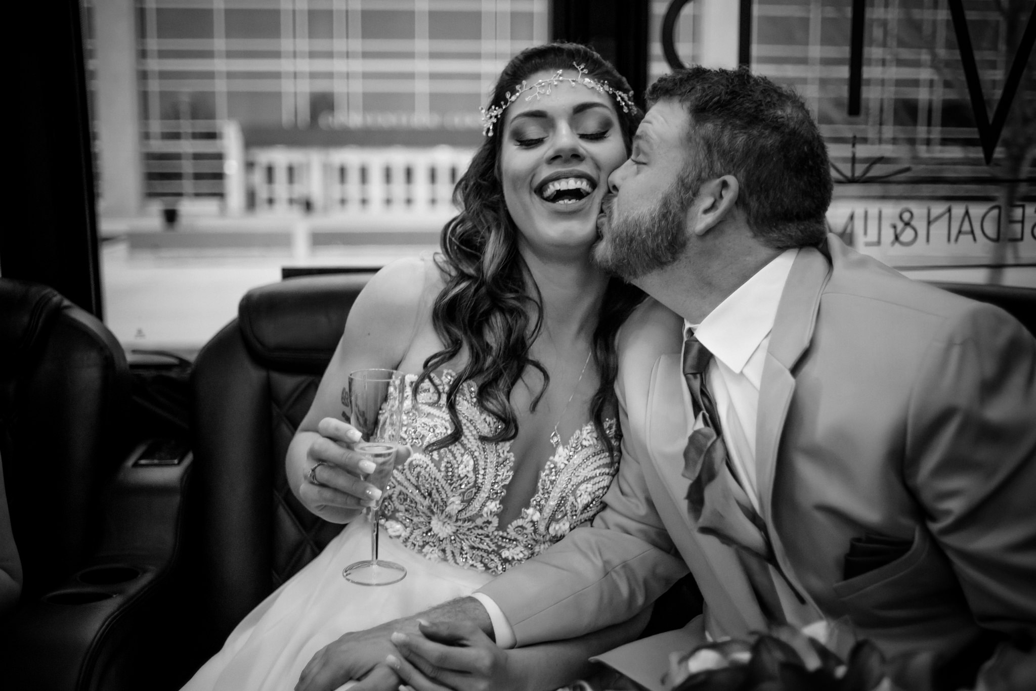 HILTON-OMAHA-WEDDING-PHOTOGRAPHER-JM-STUDIOS-OMAHA-LIV-BRICE-011.jpg