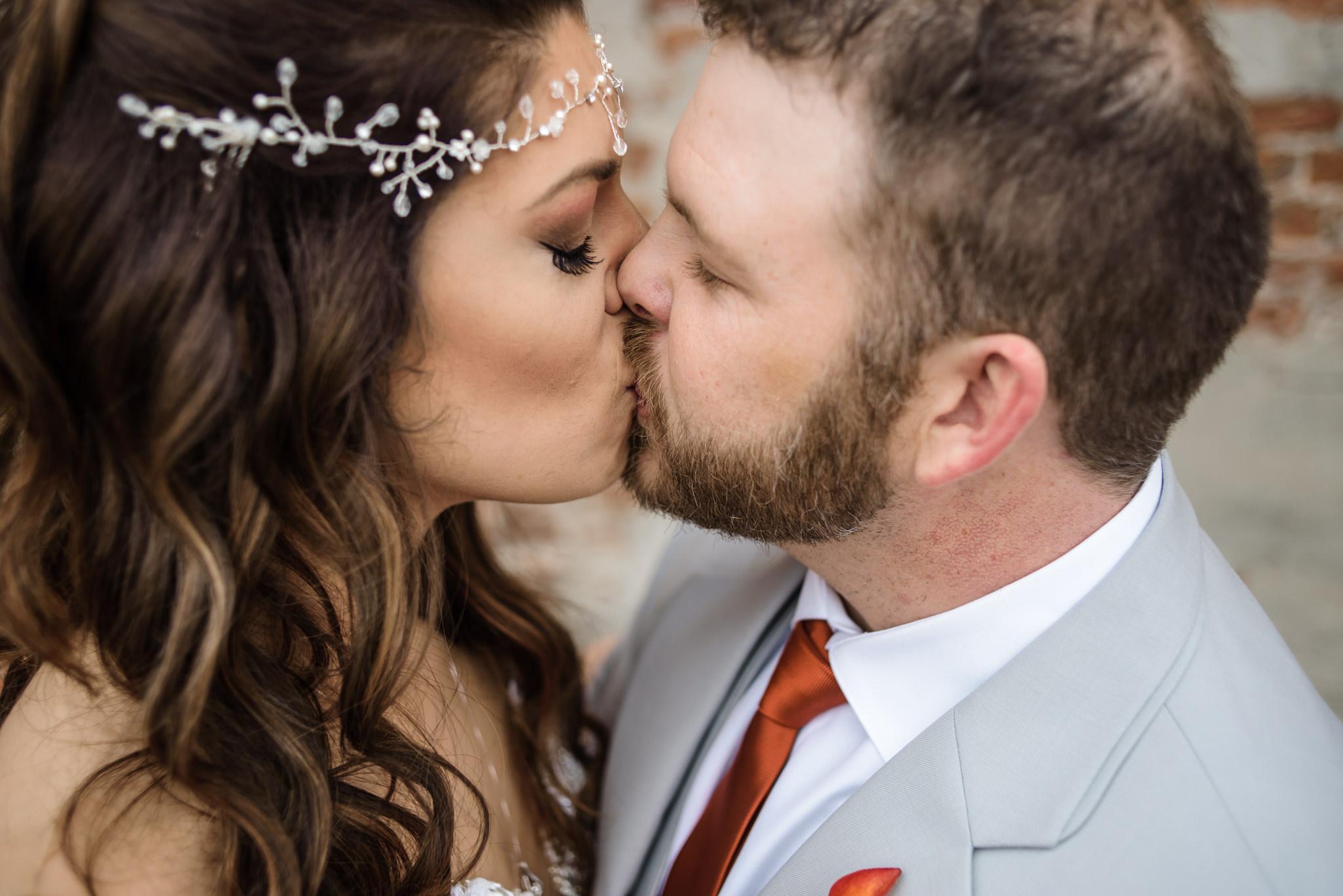 HILTON-OMAHA-WEDDING-PHOTOGRAPHER-JM-STUDIOS-OMAHA-LIV-BRICE-015.jpg